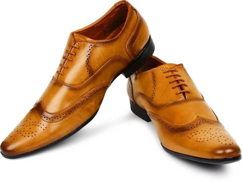1. Brogues Shoes - Mens Shoe Trends 2019