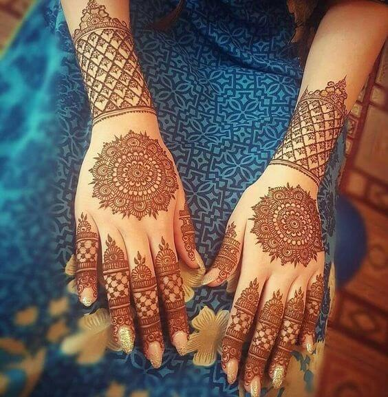 6. The Top and Back Side Design – Easy Arabic Mehndi Designs 2019