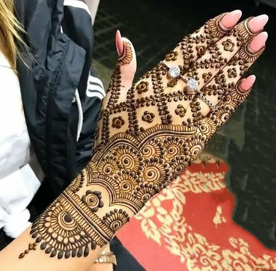 6. The Top and Back Side Design – Latest Easy Arabic Mehndi Designs 2019
